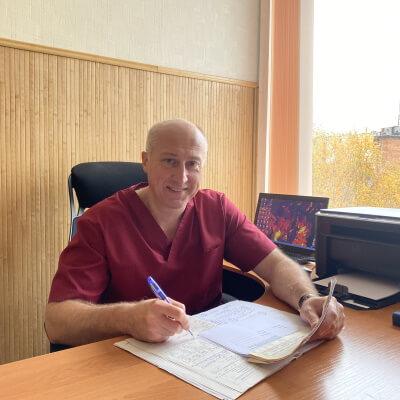 Кирьян Василь МиколайовичЗавідуючий хірургічним відділенням